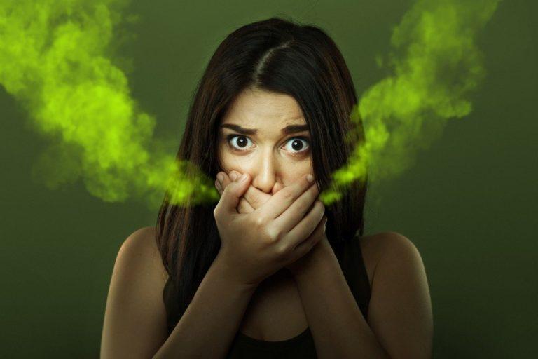 Неприятный запах изо рта — выход прополис