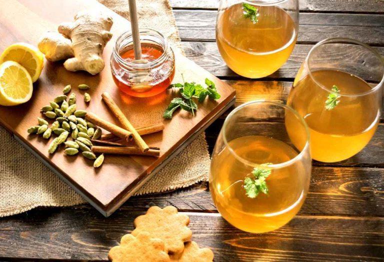 Напиток сбитень приготовление (мед, травы, пряности)
