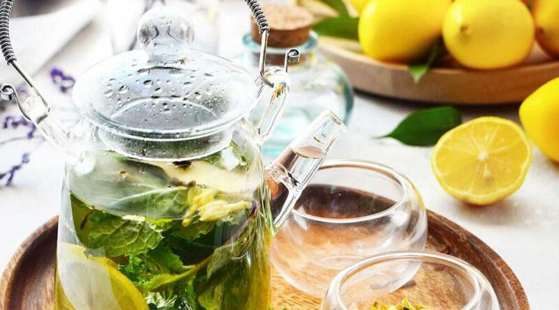 напиток от простуды (мед, смородина, мята, лайм)