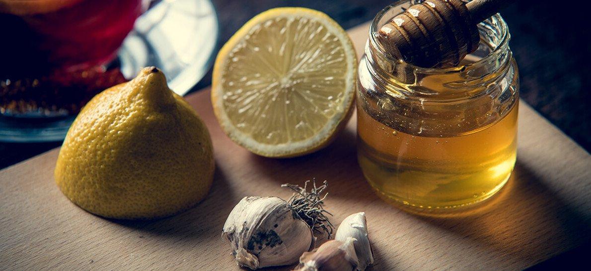 Напиток для укрепления иммунитета и снижения давления (мед, чеснок, лимон)