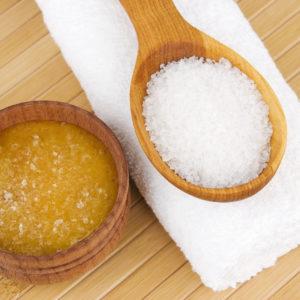 рецепт медово-соляной скраб